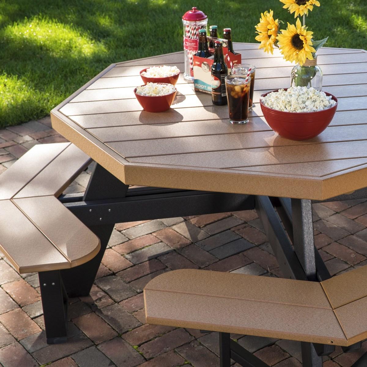 Octagon Picnic Table in Cedar